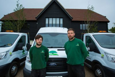 2 employees Oak View Landscapes